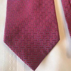 Brooks Brothers mens luxury red silk geometric tie